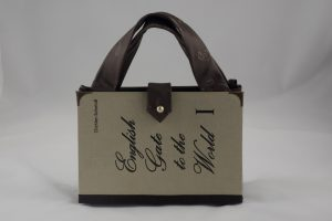 English Gate to the World Tasche aus Buch Buchhandtasche