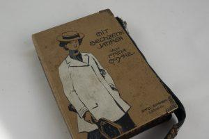 """Tasche, Clutch aus dem Buch """"Mit sechzehn Jahren"""""""