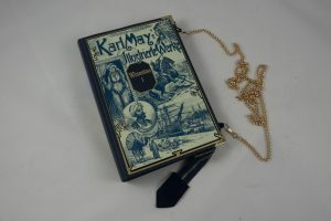 Tasche, Clutch aus einem Winnetou-Buch von Karl May