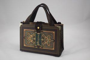 """Tasche aus dem Buch """"Heimburg"""" in braun, reichlich in Gold verzierter Einband"""