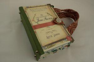 """Tasche aus dem Buch """"Jane Austen"""" kombiniert mit einer Krawatte"""