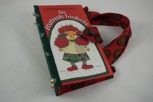 """Tasche aus dem Buch """"Die feuerrote Friederike"""" von Christine Nöstlinger kombiniert mit einer dazupassenden Krawatte"""