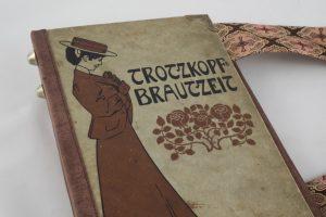 """Tasche aus einem alten Buch """"Trotzkopfs Brautzeit"""""""