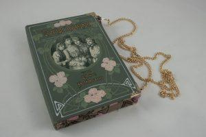 """Clutch aus dem Buch """"Dorfprinzesschen"""""""