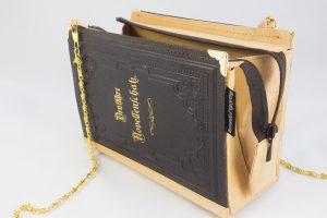 """Tasche aus einem alten Buch """"Deutscher Novellenschatz"""""""