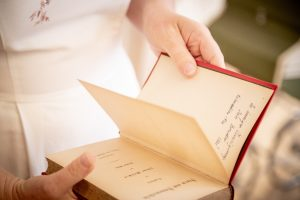 Widmungen und Schätze in alten Büchern