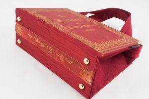"""Tasche aus einer alten Ausgabe von """"Der Trotzkopf"""" in rot kombiniert mit rotem Stoff"""