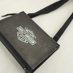 Tasche für einen Harley-Davidson Fan aus einem alten Harley-Poster und Logo